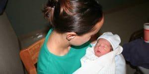 bébé et téton douloureux